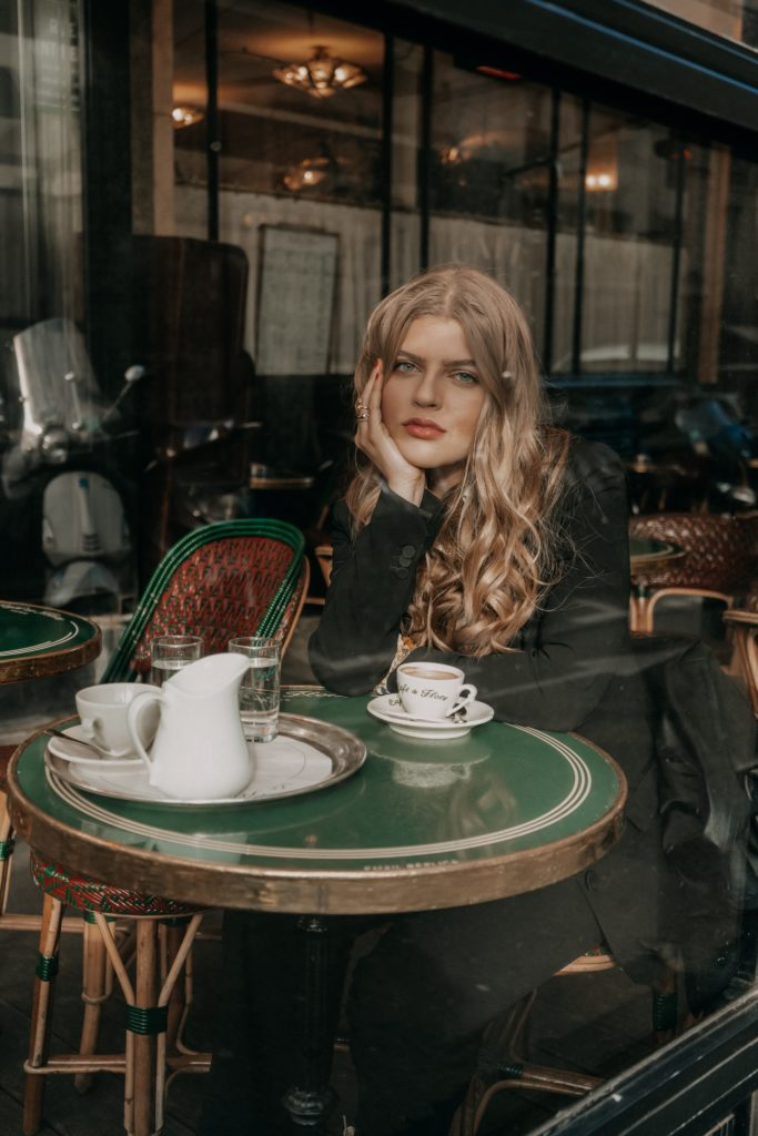 3 angesagte Cafes in Paris die die Fashion Crowd liebst, Cafe de Flore, 2