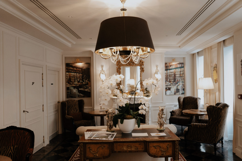 Splendide Royal, kleinste 5 Sterne Hotel in Paris, Hotellobby, Interior