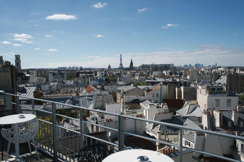Paris von Oben, Aussichtspunkt 43 Up On the roof, Blick auf Eiffelturm