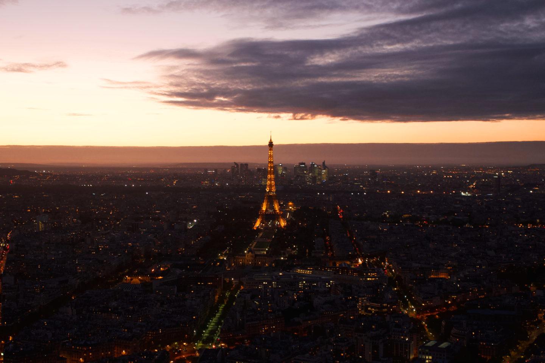 Aussichtspunkt Tour Montparnasse bei Sonnenuntergang, Blick auf den Eiffelturm