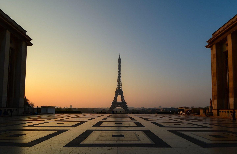 Trocadero Aussichtsplattform, Blick auf den Eiffelturm bei Sonnenaufgang