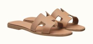 10 zeitlose Schuhe die Pariserinnen lieben, Oran Sandale Hermes